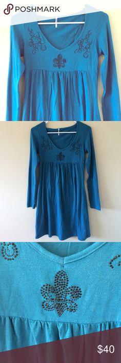 Blue Fleur De Lis dress! Worn once. Excellent condition. Cute Fleur De Lis on the top. Dresses Long Sleeve