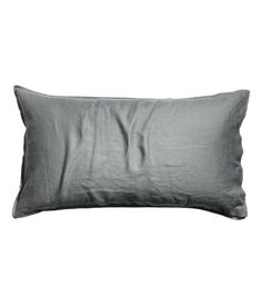 Washed linen pillowcase with double-stitched edges. Tumble drying will help keep linen soft. Dream Bedroom, Home Bedroom, Master Bedroom Makeover, H&m Home, H&m Fashion, Bed Pillows, Pillow Cases, Count, Lily