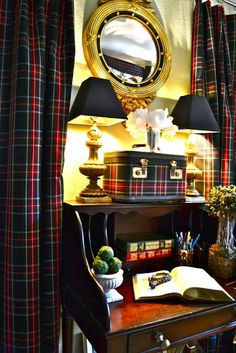 It is here in North America that we refer to Tartan as Plaid. But in Scotland plaid is the tartan cloth that is flung over the should. National Tartan Day, Muebles Shabby Chic, English Country Style, Tartan Plaid, Tartan Decor, Country Decor, Home Office, Sweet Home, House Design