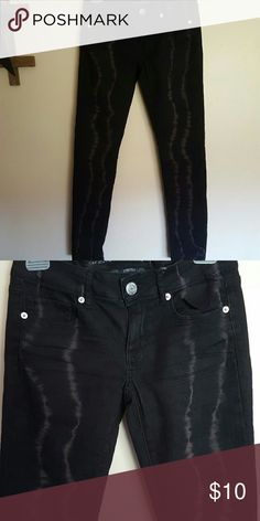 AE black jeggings These jeggings have never been worn. They have greyish/purplish streaks in them. American Eagle Outfitters Jeans Skinny