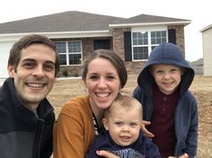 Great news from the Dillards! They're moving to a new home that will be closer to family! Jill Duggar Baby, Duggar Family News, The Dillards, Dugger Family, 19 Kids And Counting, Bates Family, My Photos, Couple Photos, Exciting News