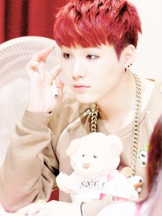 MIN YOONGI SUGA - So adorable and cute at fan meeting with red hair and a cute teddy!!! AWWWHHH