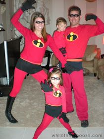 While They Snooze: How to Make The Incredibles Halloween Costumes + Costume Contest Meyers Schaab Schriner The Incredibles Halloween Costume, Halloween Costume Contest, Pixar Costume, Cartoon Costumes, Homemade Costumes, Diy Costumes, Costume Ideas, Infant Costumes, Team Costumes