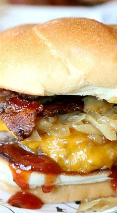 Candied Bacon Maple Cheddar Burger