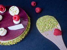 C'est un macaron, mais c'est aussi un smoothie, et surtout c'est plein de bonne humeur et de saveurs pour ensoleiller votre weekend : C'est la Pâtisserie du Samedi ! Commandez votre Macaron Smoothie de Printemps jusqu'à ce soir 19h ! # NicolasBernardé #PâtisserieDuSamedi #PDS #dessert #cake #gourmand #gourmet #teatime #Frenchpastry #pistachio #pistache #framboise #raspberry #berry #macaron #macaroon #Paris #MOF #Neuilly #LaGarenne #Colombes