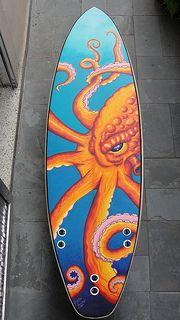 Surfboard art by Gabriel Guedes Tavares Surfboard Painting, Surfboard Art, Octopus Painting, Skateboard Design, Skateboard Art, Tiki Tattoo, Posca Art, Wave Art, Surf Art