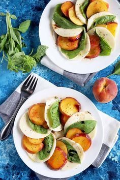 This recipe for peach caprese salad is completely stress free, highlighting the sweet fruit, the savory flavor of the mozzarella cheese, and the herbaceous notes of the basil. Read more now. #capresesalad #peachrecipe #foodal Honey Recipes, Veg Recipes, Summer Recipes, Salad Recipes, Cooking Recipes, Healthy Recipes, Mozzarella, Caprese Salat, Juicy Fruit