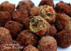 Dutch Recipes, Asian Recipes, Cooking Recipes, Birthday Snacks, Snacks Für Party, Finger Food Appetizers, Indonesian Food, Iftar, Dips