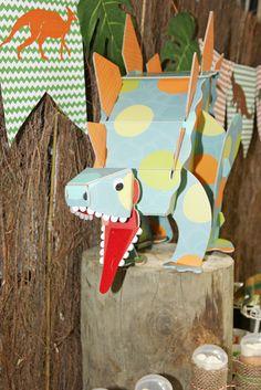Dinosaur party - http://www.pinkfisch.ch/shop/themenparty-kindergeburtstag/dinosaurier/tisch-highlight-dinosaurier