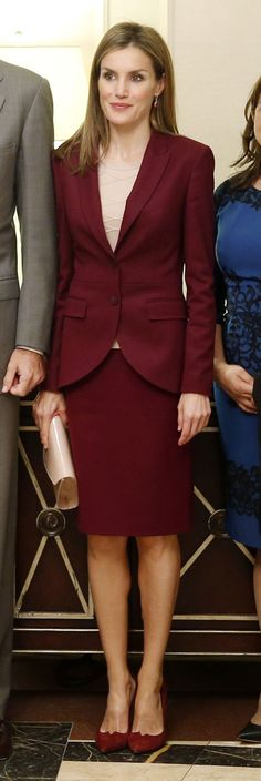"""Le Roi Felipe IV et la Reine Létizia  sont à New York pour assister à la Conférence sur le climat de 2014 et l'ouverture du débat général de la 69e session de l'Assemblée générale des Nations Unies.  La Reine Létizia a visité une école élémentaire """" Dos Puentes """" à Harlem."""