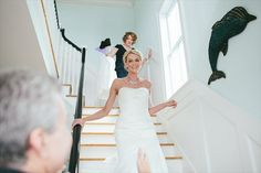 18 Best Getting Ready Photos: dad seeing bride for first time brides face (photo by julia wade)