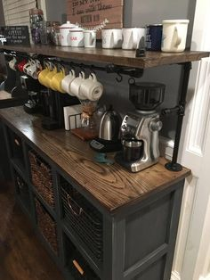 Outstanding DIY Coffee Bar Ideas for Your Cozy Home / Coffee Shop Coffee Station Kitchen, Coffee Bar Home, Home Coffee Stations, Coffee Coffee, Coffee Enema, Bunn Coffee, House Coffee, Coffee Logo, Coffee Creamer