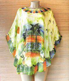 Curta os dias quentes na melhor vibe! Nosso poncho tropical contribui com um visual leve e colorido como a vida deve ser.  Por apenas R$ 6990  Garanta o seu! Chama a gente no whatsapp: 13 982166299  #bohosoul #hippiesoul #flowerpower #tropical #modapraia #primaveraverao