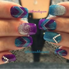 @thenailsqueen pretty teal and orchid mani