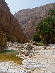 #Oman | #hiking in Wadi Shab. https://www.facebook.com/OmanPocketGuide  credit: Valérie Bisson #oman