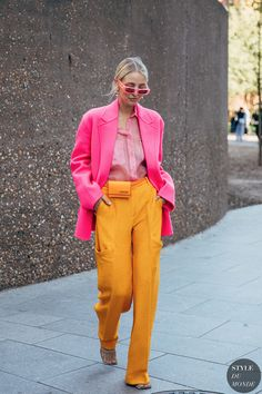 Street Style - Part 1 Milan Fashion Week Spring/Summer 2020 - FunkyForty Foto Fashion, Fashion Mode, Fashion Week, Fashion 2020, Street Fashion, Milan Fashion, Fashion Stores, Spring Fashion, Colourful Outfits