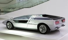 1971 MASERATI BOOMERANG - designed by ItalDesign / Giorgetto Giugiaro. Concept first revealed at 1971 Turin Motor Show, working prototype presented 1972 Geneva Auto Salon.