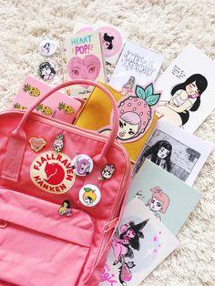 Fjällräven mini pink Kanken Backpack Mini, Aesthetic Backpack, Mermaid Glitter, Unicorns And Mermaids, My Beautiful Daughter, Cute Backpacks, Cute Bags, Pretty In Pink, Girly