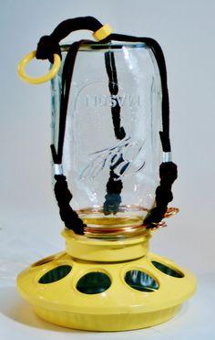21 ideas for bird feeders hangers mason jars Bird Feeder Hangers, Bird Feeder Poles, Wooden Bird Feeders, Diy Bird Feeder, Freedom Bird Tattoos, Bird Wings Costume, Bird Hand Tattoo, Bird Painting Acrylic, Ball Mason Jars