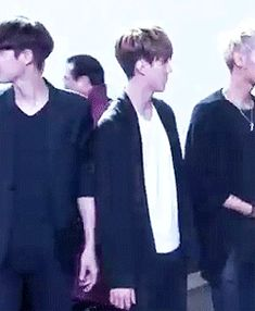EXO sehun being smooth Tao Exo, Chanyeol, Btob, 2ne1, Culture Pop, Kim Minseok, Big Bang, Exo Members, Like A Boss