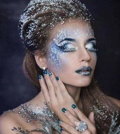 The best Halloween 2018 costume and makeup tutorialBest Halloween Princess Led Costume Canderella disney derella princess halloween halloweencostumes (notitle) Form a super jetpack of space for your loulou, with just that .Form a Snow Makeup, Ice Makeup, Ice Queen Makeup, Makeup Tips, Makeup Ideas, Ice Princess Makeup, Evil Makeup, Winter Makeup, Halloween 2018