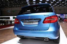 Mercedes-Benz B-Class B220 4MATIC [Fuel consumption combined: 5 (l/100 km) CO2 emission combined: 131-130 g/km] #mbhess #mbcars #mbbclass