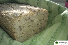 Recept na chlebíček pro ty, kteří musí držet bezlepkovou dietu, a nebo pro ty, kteří si chtějí od lepku odpočinout :-).