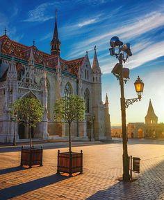 Hello #Budapest   #matthiaschurch #budapesthungary #budapestgram #budabest #travel #instatravel #travelgram #traveling  @taytayskye