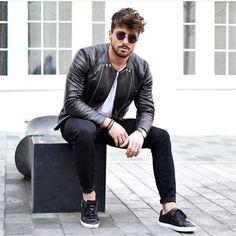 Curte o estilo mais casual? Dá um  #modamasculina#malemodel#magazine#amazing#style#modaparahomens#instalike#igers#iphoneonly#bestoftheday#f4f#smile#moda#followme#mensfashion#awesome#cool#swag#instagood#instafollow#streetstyle#hot#fashion#street#picoftheday#modamasculina#tagfire#shoutout#doubletap#fashiorismo#brasil