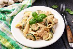 Cukkinis-csirkés tészta recept   Mindmegette.hu Pasta Salad, Asparagus, Penne, Gluten, Nutella, Lunch, Vegan, Chicken, Vegetables