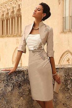 Sheath/Column Strapless Knee-length Taffeta Mother of the Bride Dress