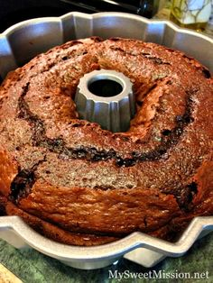 Triple Chocolate Sour Cream Bundt Cake Decadently rich, super moist and chocolate to the max! And, the light sour cream saves calories and fat too. Oreo Dessert, Brownie Desserts, Coconut Dessert, Mini Desserts, Just Desserts, Delicious Desserts, Dessert Recipes, Chocolate Bundt Cake, Chocolate Desserts
