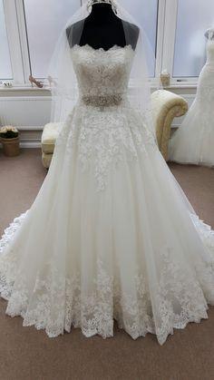 extravagantní šaty svatební - Hledat Googlem  6e122e4c3e