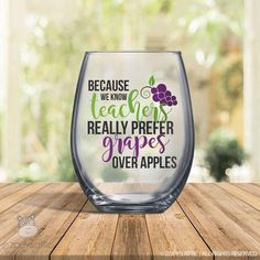 Wine Gifts - Need Good Information About Wine Look Here! Wine Glass Sayings, Wine Glass Crafts, Bottle Crafts, Wine Quotes, Diy Bottle, Bottle Art, Quotes Quotes, Wine Safari, Wine Gift Baskets