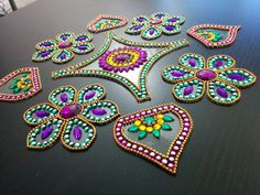 Floral y el pan en forma de 9 pieza rangoli por PalavCreations
