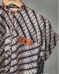 By Olineworkrobe Kebaya Dress, Batik Kebaya, Blouse Batik, Batik Dress, Batik Pattern, Batik Fashion, Traditional Fashion, Korea Fashion, Shirts For Girls