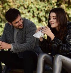 Couple Dps, Couple Goals, Couple Photos, Turkish Fashion, Turkish Beauty, Hande Ercel, Turkish Actors, Celebs, Celebrities