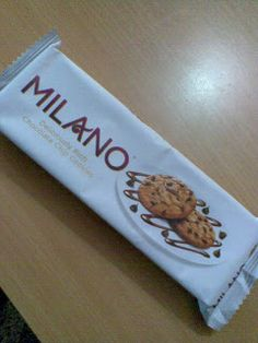 Parle premium choco chips cookies Milano has under gone pack revamping from chocolate cream color to white wrapper to draw consume. Choco Chip Cookies, Choco Chips, Bakery Packaging, Chocolate Cream, Packing, Design, Chocolate Custard, Bag Packaging, Chocolate Spread