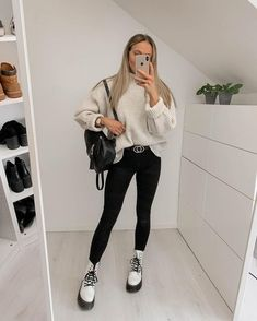 first date outfit Winter Fashion Outfits, Mode Outfits, Girly Outfits, Cute Casual Outfits, Stylish Outfits, Fall Outfits, Dr Martens Outfit, Outfits With Doc Martens, Doc Martens Style