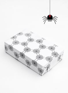FREE printable Cobweb wrap