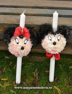 Lumanari botez Mickey si Minnie mouse pentru gemeni, realizate din crizanteme. Lei, Mickey Mouse, Christmas Ornaments, Holiday Decor, Blue Prints, Christmas Jewelry, Christmas Decorations, Baby Mouse, Christmas Decor