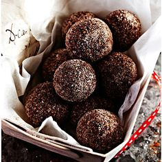 Cinnamon Chocolate Truffles |   280g good dark chocolate  284ml double cream  50g unsalted butter  1 tsp Cinnamon Extract  Cocoa powder and cinnamon sugar to coat.