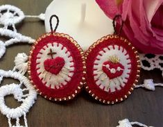Immaculate heart / Sacred heart medallion with hand embroidery - Hand embroidered Christian medal - Gift for christian Embroidery Hearts, Beaded Embroidery, Hand Embroidery, Catholic Crafts, Christian Crafts, Camping Crafts, Boho Diy, Sacred Heart, Felt Crafts