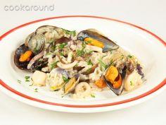Risotto alla pescatora in bianco: Ricette di Cookaround | Cookaround