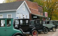 Bentonsport is a small town on the banks of the Des Moines River in Van Buren County, and it is part of Iowa's Amish country. It's part of a collection of historic villages called the Villages of Van Buren.