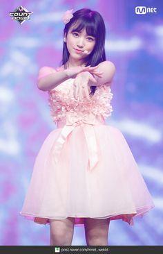 180823 엠카운트다운 프로듀스48-기억 조작단 - 너에게 닿기를 현장포토 : 네이버 포스트 Kpop Girl Groups, Kpop Girls, Yuri, Idole, Japanese Girl Group, Kim Min, The Wiz, Cute Kids, Peplum Dress