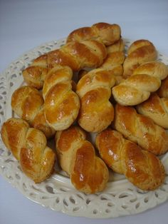 Visit the site for details. Donut Recipes, Cake Recipes, Cooking Recipes, Armenian Recipes, Turkish Recipes, Dinner Rolls Easy, Homemade Soft Pretzels, Greek Cooking, Puff Pastry Recipes