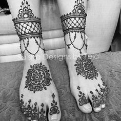 #favourite#feet#henna#design #mehndi#bridalhenna#bridalmehndi #mandala #jewellery#anklet#gulf#flower#arabic #indian #geometric#symmetry #bnw#blackandwhite #artist #freehand #london #naturalhenna #tat#tattoo#mehendi#indianbride #wedding #asianwedding