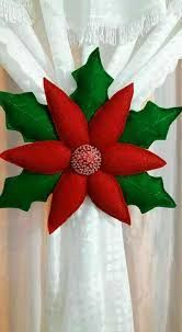 463 Best Navidad images in 2020 Felt Christmas Decorations, Felt Christmas Ornaments, Christmas Pillow, Christmas Wreaths, Christmas Poinsettia, Christmas Projects, Holiday Crafts, Christmas Holidays, Holiday Decor
