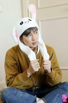 "Namjoon ""RM"" en run bts cap 60 Seokjin, Kim Namjoon, Kim Taehyung, Vlive Bts, Bts Twt, Bts Bangtan Boy, Jimin Jungkook, Mixtape, Bts Rap Monster"